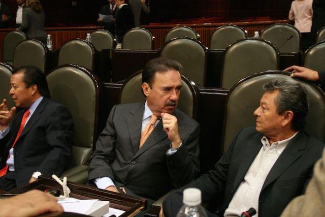 Cesar Camacho Quiroz, Emilio Gamboa Patrón y Gerardo Sosa Castelán, quienes fungían como legisladores priistas en 2009.