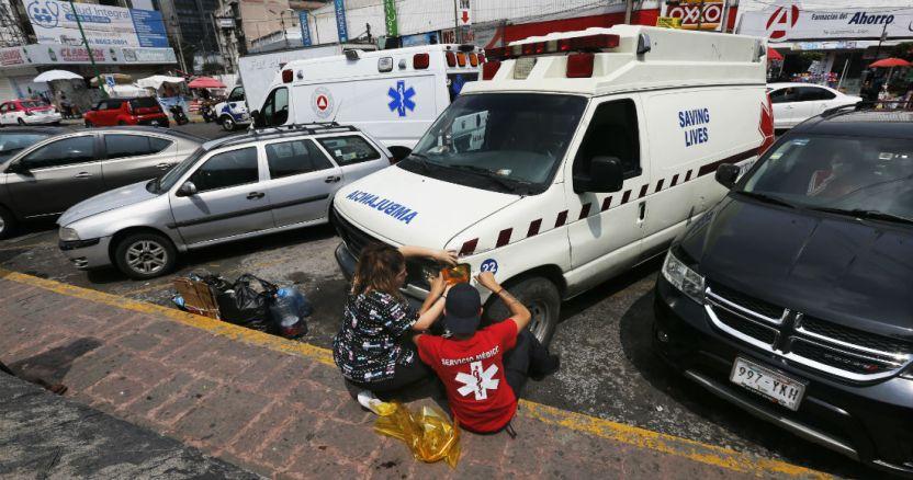las ambulancias piratas abusan con la covid 19 - El mundo supera los 30 millones de contagios de COVID-19; 944 mil 887 han muerto por la enfermedad