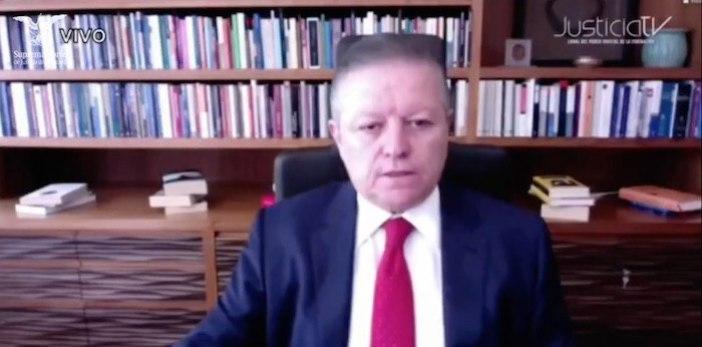 El Ministro presidente Arturo Zaldívar durante la votación de la constitucionalidad de la consulta para enjuiciar a los expresidentes.