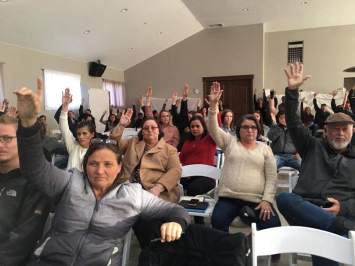 La comunidad LeBarón votó para comenzar su transición hacia el autogobierno. Foto: Luis Hinojos vía La Verdad