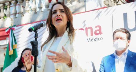 Clara Luz Flores, candidata de Morena a la gubernatura de Nuevo León.