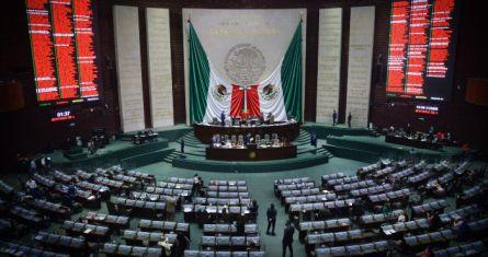 Sesión semipresencial en la Cámara de Diputados.