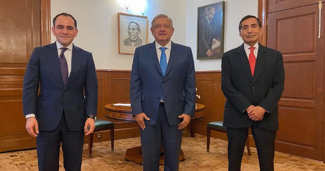 El Presidente Andrés Manuel López Obrador junto con Arturo Herrera y Rogelio Ramírez de la O.
