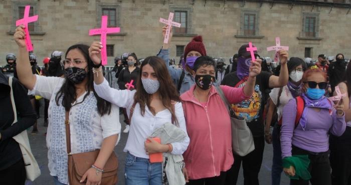 Marcha por los feminicidios en la Ciudad de México.