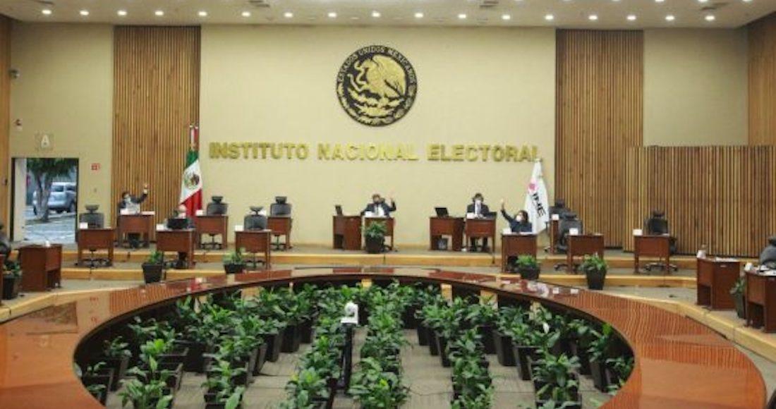 Partidos tendrán que postular a 3 mujeres para gubernaturas de 2022, ordena el INE