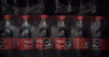 Hombre muere al beber Coca-Cola