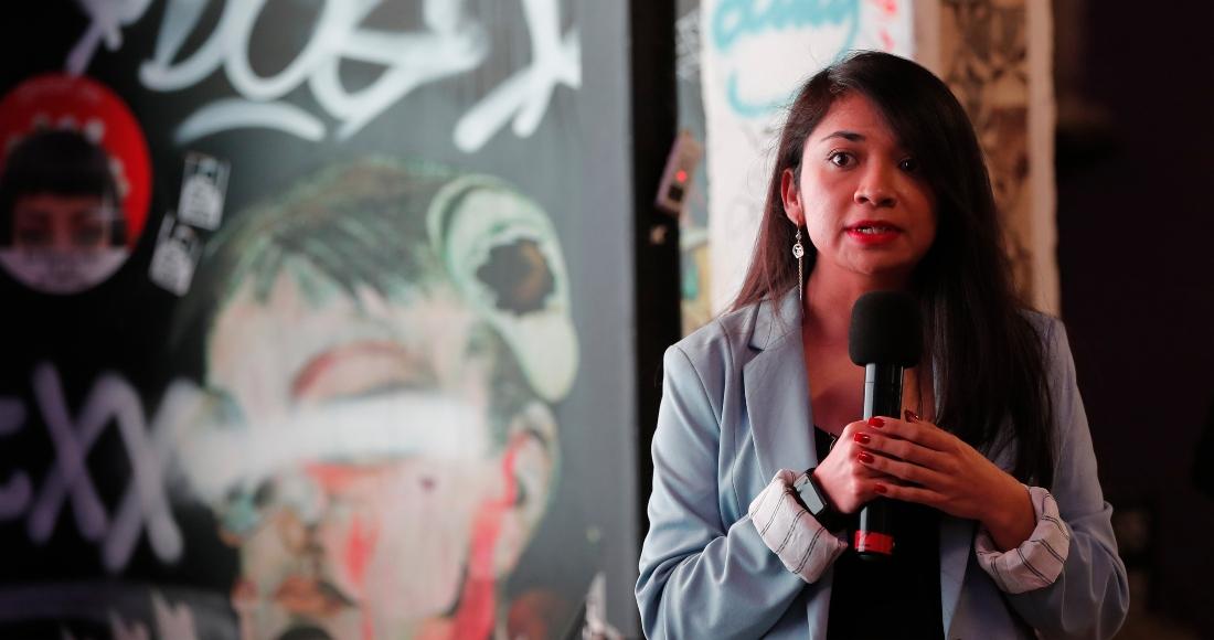 """La directora de Monitoreo y Evaluación de la organización Reinserta, Marina Flores, participa durante la presentación del """"Estudio de niñas, niños y adolescentes reclutados por la delincuencia organizada"""", este miércoles en la Ciudad de México."""