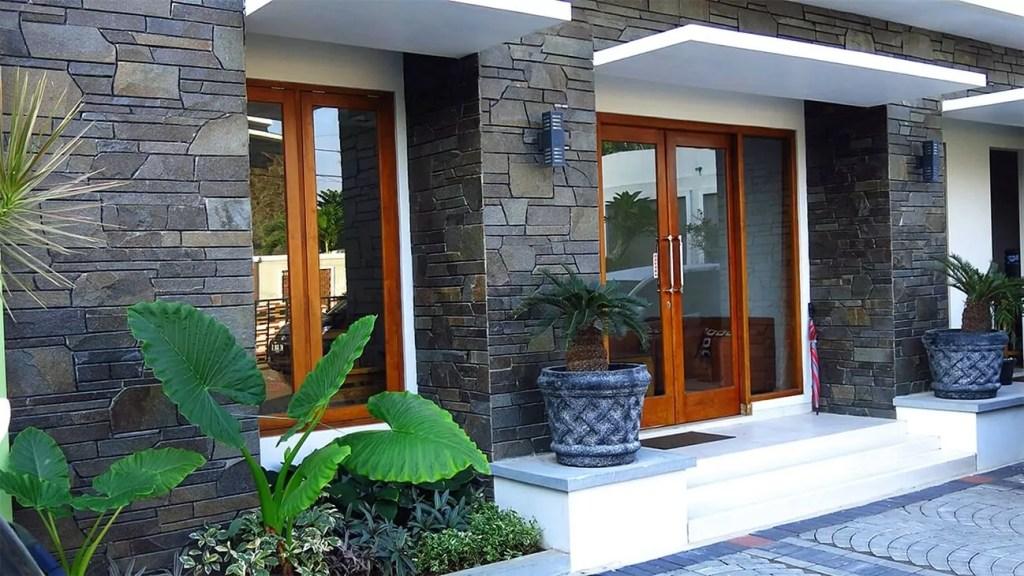 rumah fasad batu alam