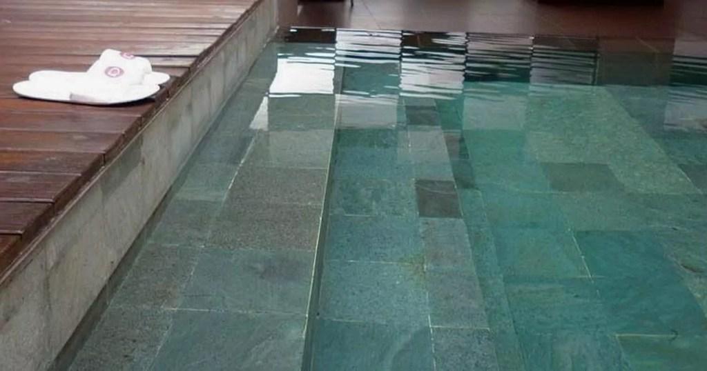 batu alam andesit untuk kolam renang