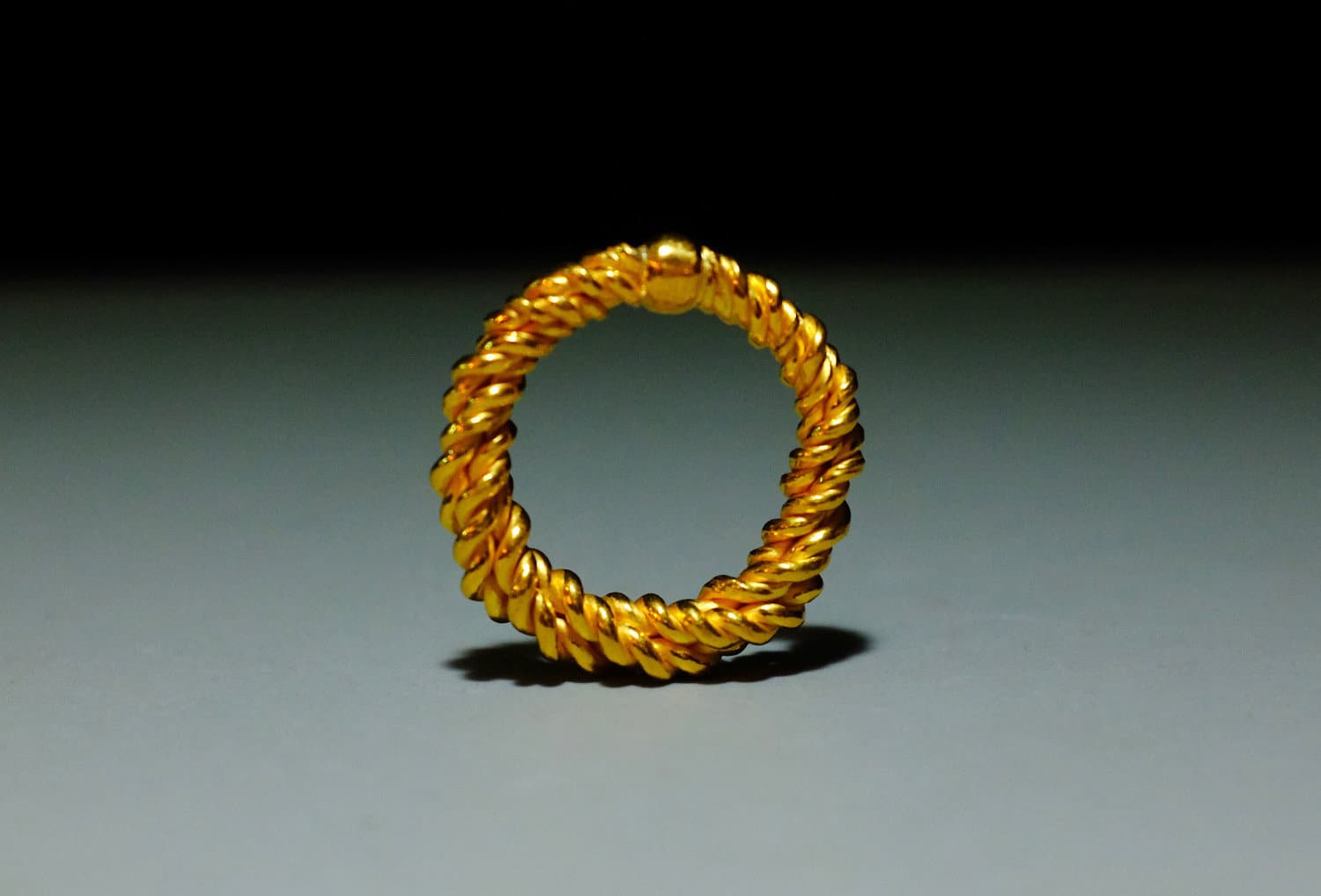 SIJS, gold twist rope ring, handmade 24k gold ring, handmade gold twist ring, solid gold twist ring, thick twisted rope ring, wide gold twist ring, custom gold ring singapore, custom jewellery singapore, bespoke jewellery singapore, 22k gold ring handmade, medieval style jewellery, ancient roman style jewelry