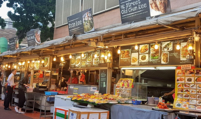 Visit-Esplanade-Theatre-and-Makansutra-Gluttons-Bay-