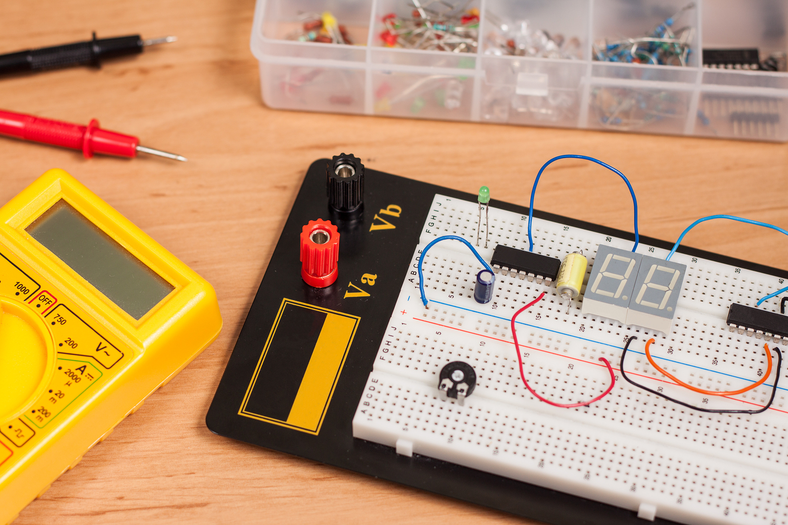 Electronic Circuits Course