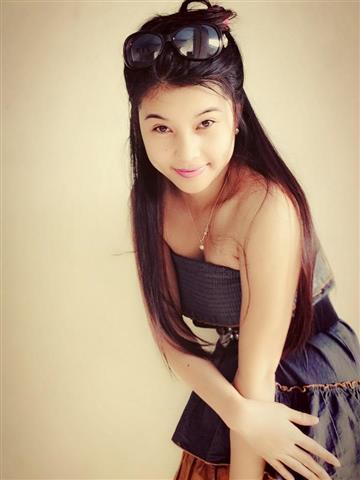 Malaysian Girl Yui (Small)