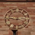 Clock representing Paris dating