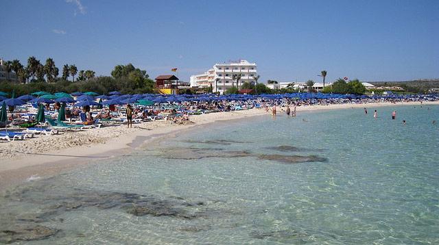 Nissi_Beach
