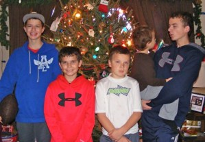 Single mom of five boys impossible to take Christmas pictures!