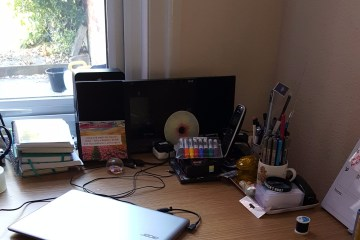 desk-work-from-home
