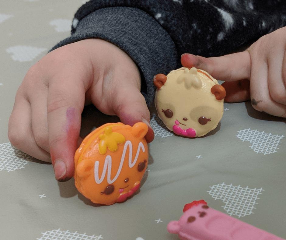 num-noms-snackable-dipper-toys-review