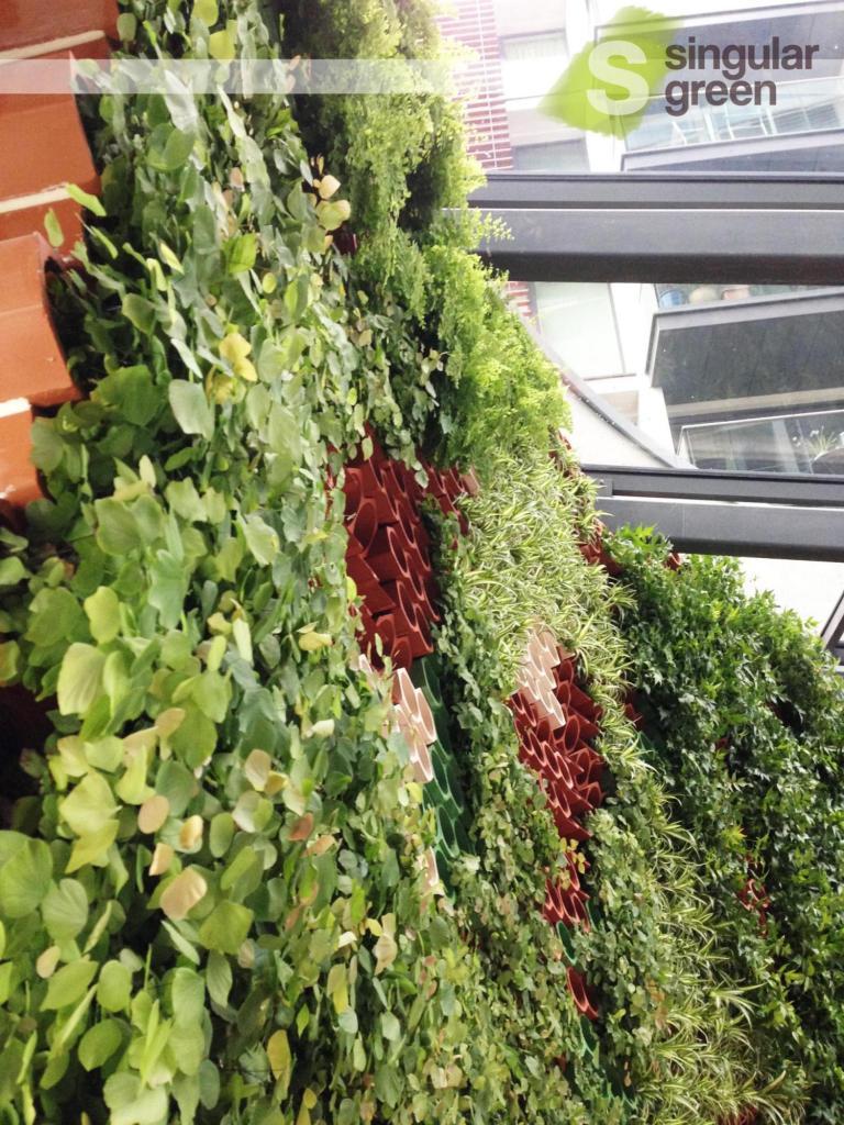 """Jardín vertical interior """"Eco.Bin mixto"""" en Londres"""