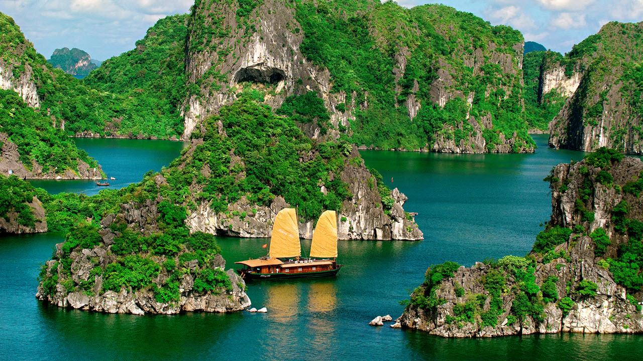 Ha Long Bay-Vietnam