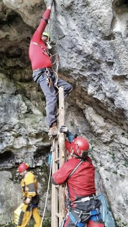 Najnovejši reševalni manever za reševanje reševalca Anžiča ...