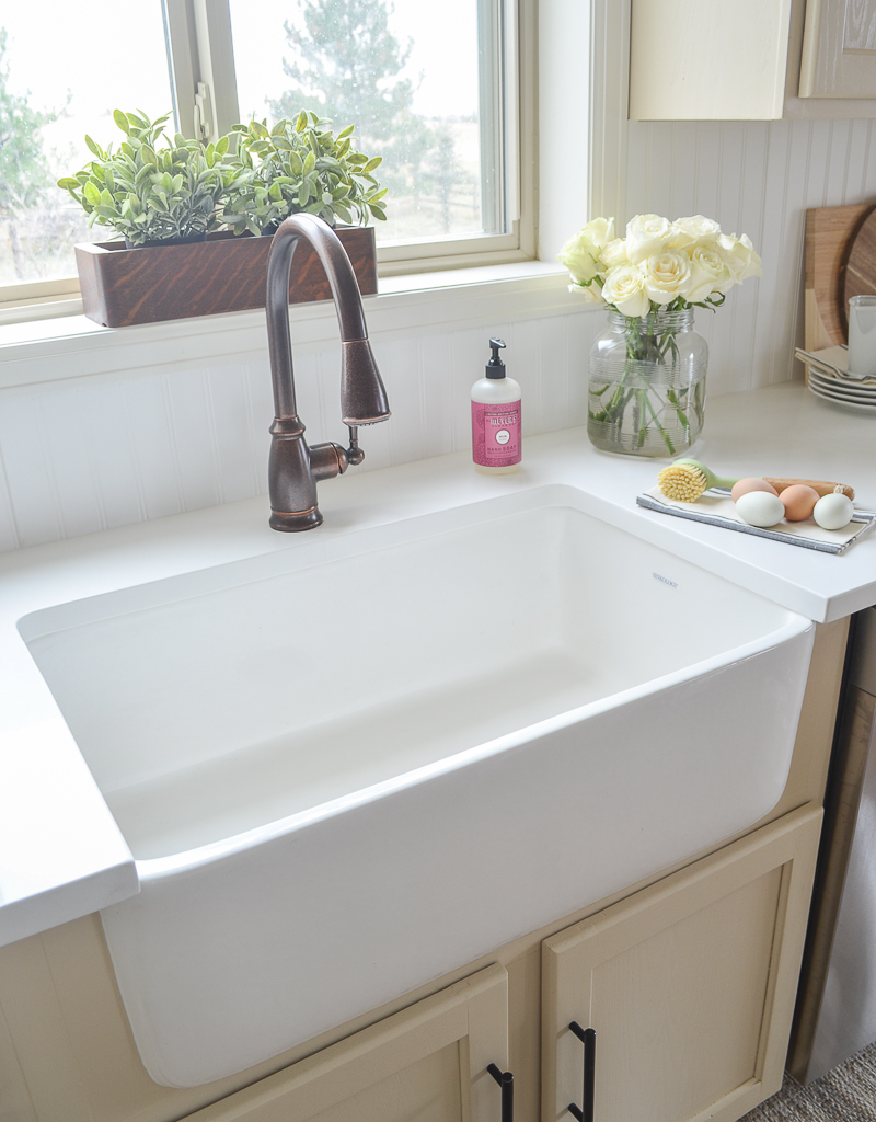 Fireclay Farmhouse Sink Review The Good Bad Everything You Need To Know Sinkology