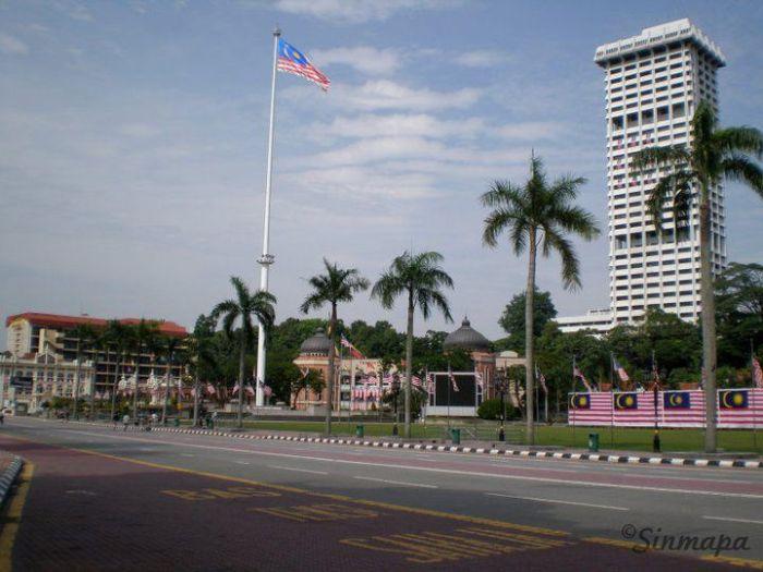 Mástil en Plaza Merdeka, Kuala Lumpur Kuala Lumpur - ¿Qué ver y qué hacer?
