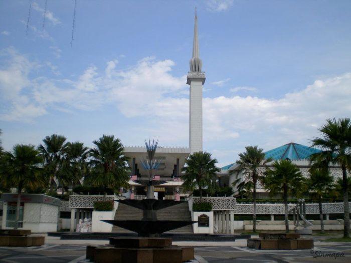 Mezquita Masjid Negara, KL Kuala Lumpur - ¿Qué ver y qué hacer?