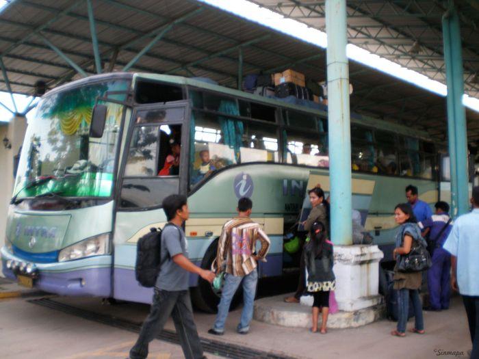 Autobus Dumai - Parapat, Indonesia