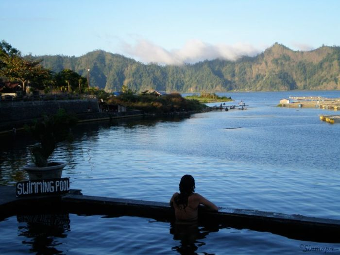 """Natural sacred hotsprings"" en Kintamani, Bali, Indonesia"