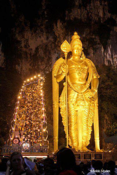 Los devotos de Murugan, Cuevas Batu, KL, Malasia