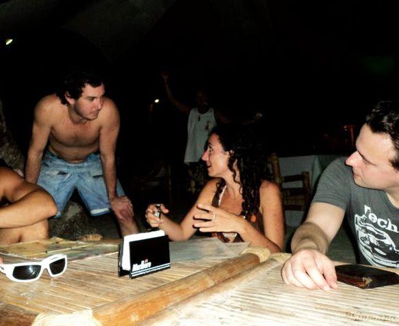 Lenguaje corporal en Boracay, Filipinas herramientas para viajar