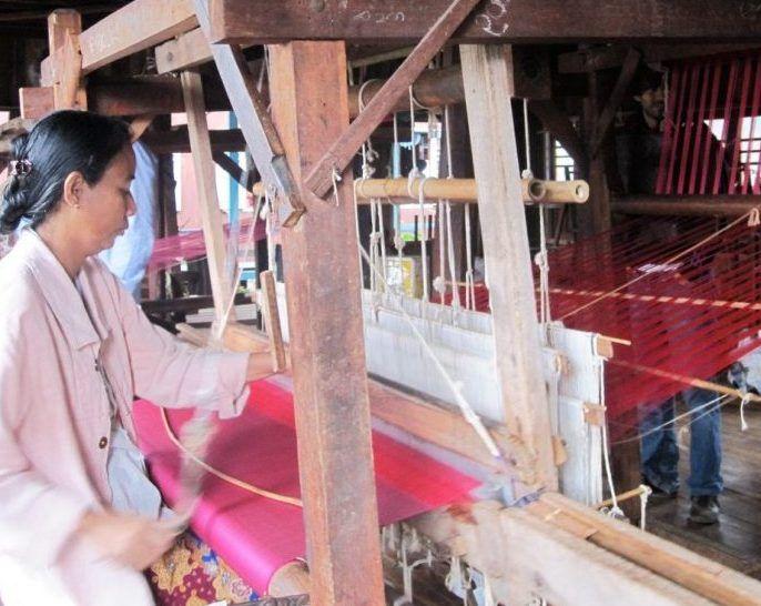 Hilanderas en Myanmar