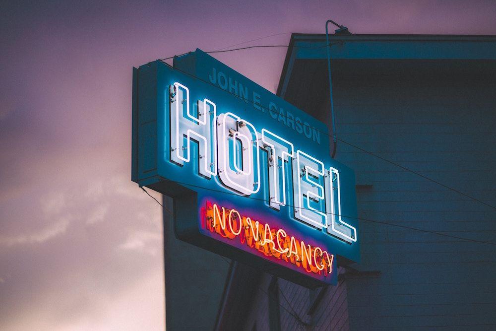 hoteles hostales y demás