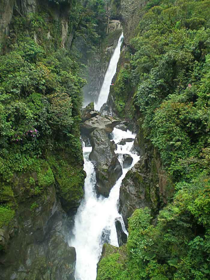 Cascada de Pailón, en la ruta de las cascadas, Baños de Agua Santa, Ecuador