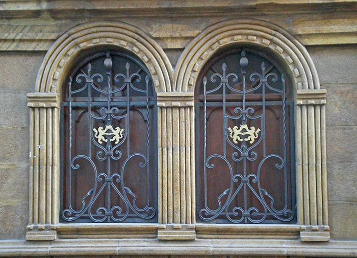Detalles en las ventanas de las calles de Potosi qué ver en Potosí Bolivia