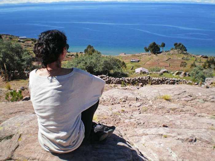 Isla Taquile con vistas al Lago Titicaca, Perú