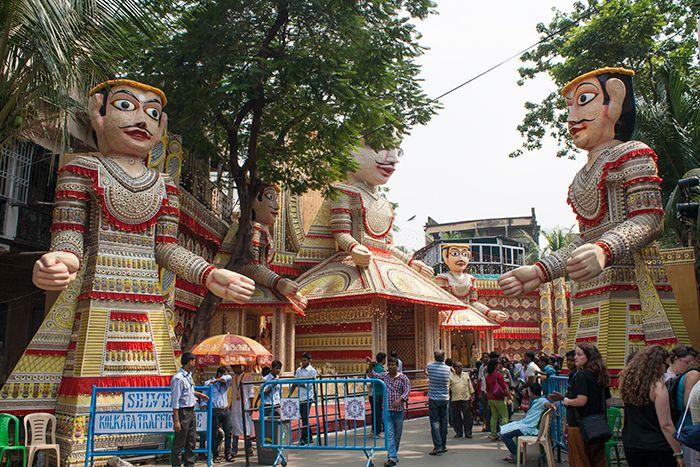 Entrada a uno de los Pandals en Calcuta