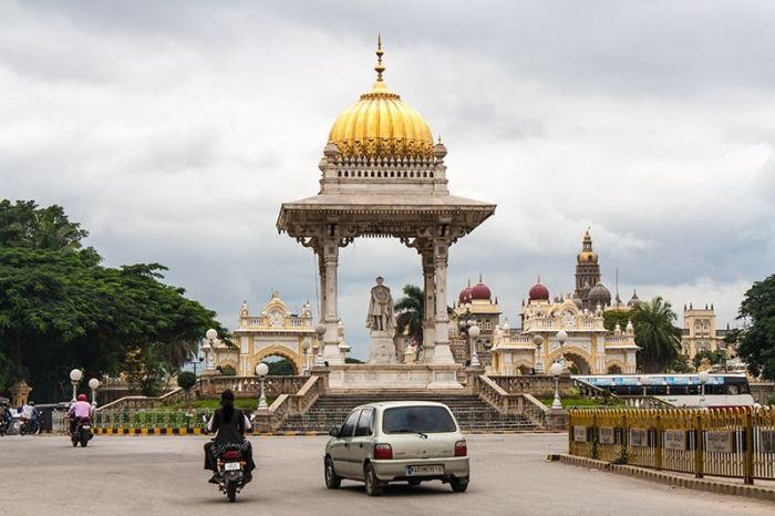 cerca--palacio-mysore2_WEBOK