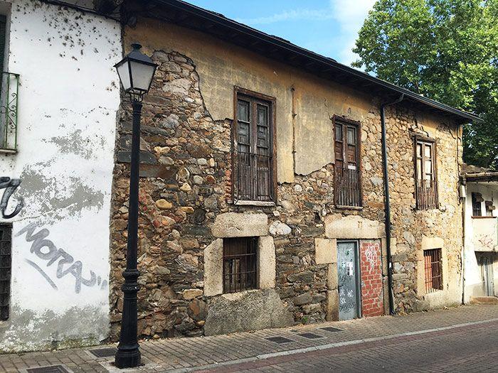 Antiguas fachadas en las calles de Ponferrada
