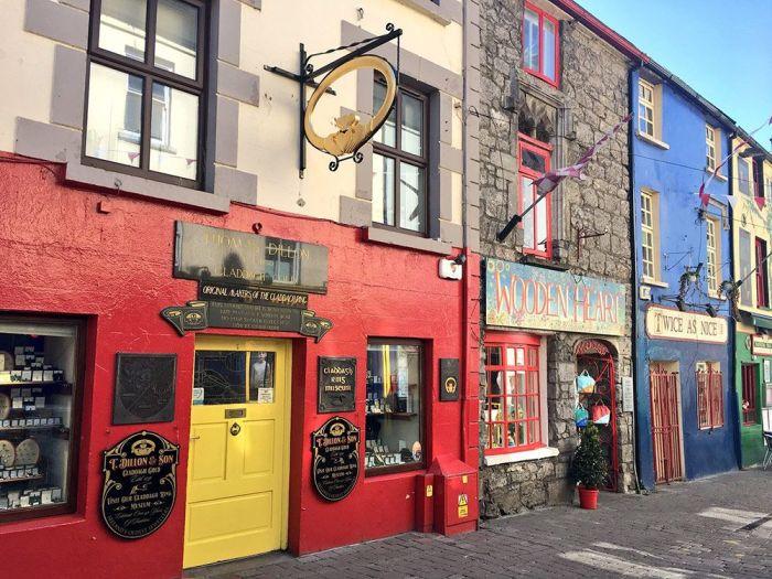 Qué ver en Galway - Las coloridas fachadas del centor de la ciudad