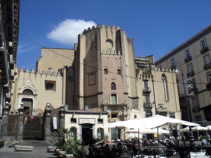 Basílica de Santo Domingo Mayor, QUÉ VER EN NÁPOLES