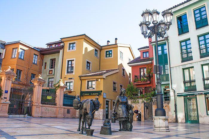 Escultura en las calles de Oviedo, Asturias