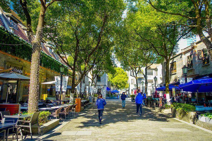 Calles coloniales en el barrio French Concession en Shanghái China