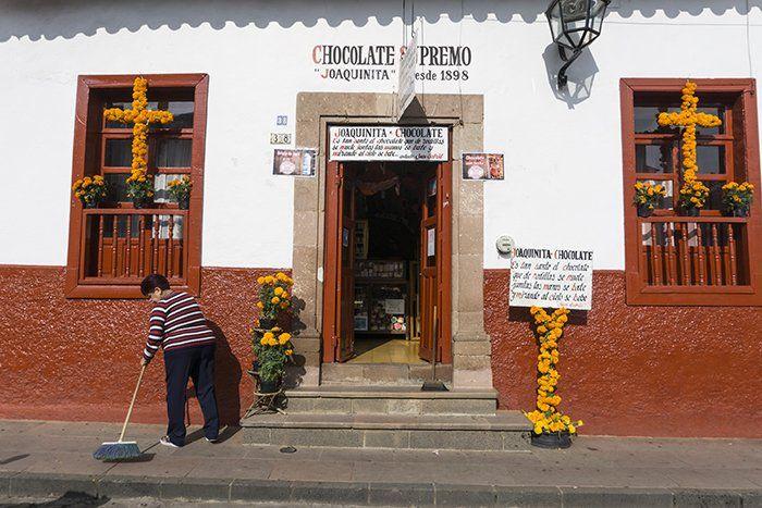 Calles y tiendas en Pátzcuaro, Michoacán, México