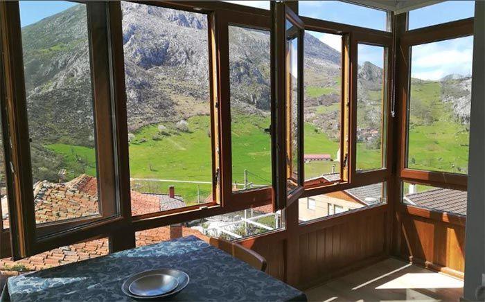 Vistas desde la Casa Rural Pico San Carlos II, Cantabria