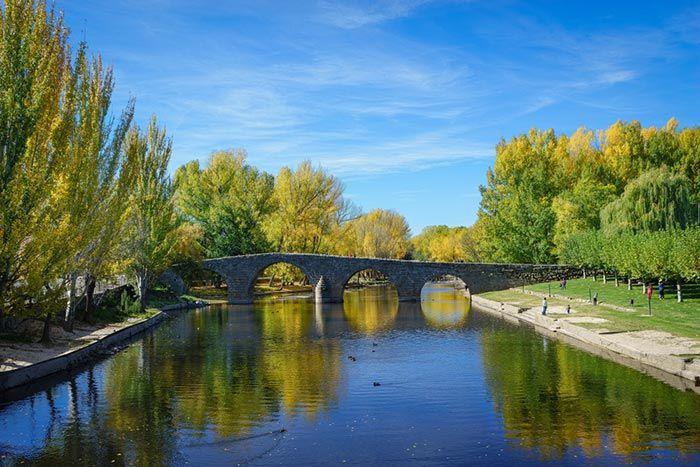 Navaluenga - Las 10 mejores piscinas naturales CERCA de MADRID