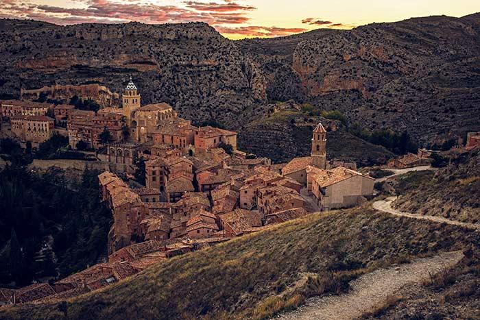 Sierra del Albarracín, uno de los destinos starlight para ver estrellas en España