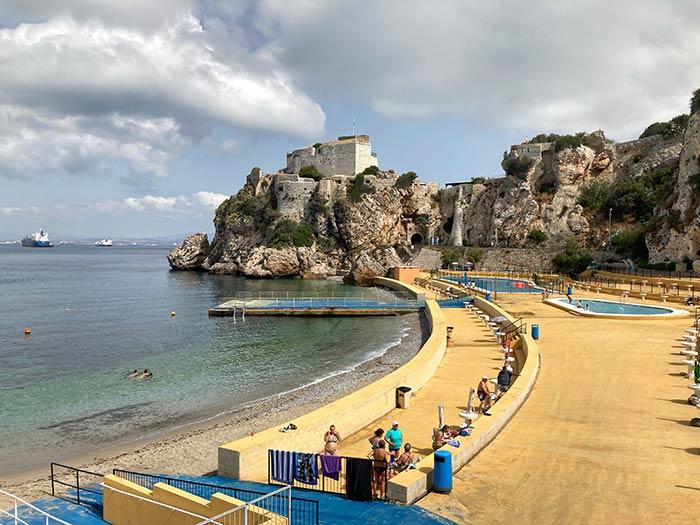 Camp Bay, una de las playas que visitar en Gibraltar