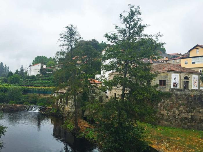 Márgen del río Arnoia en Allariz, Galicia